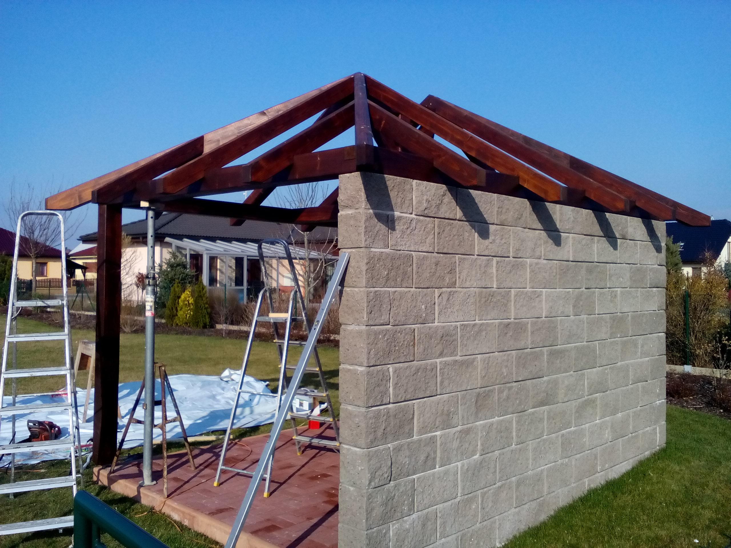Zahradní domky, garáže a pergoly