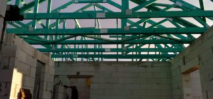 Co je vazník? Jaký je rozdíl mezi vazníkem a krovem? Co doporučujeme na Vaši střechu?
