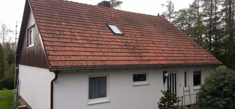 Tento týden se chystáme na rekonstrukci střechy v Hlinsku. Součástí bude i pokrytí střechy.